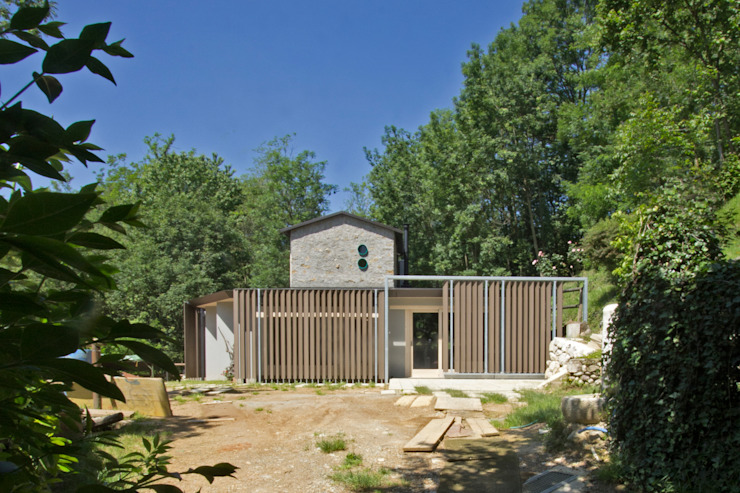 Eclectic style houses by sandra marchesi architetto Eclectic Engineered Wood Transparent