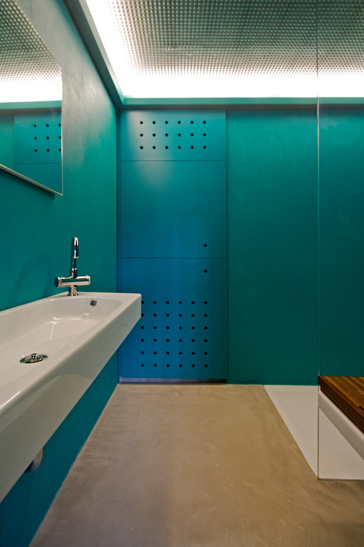 Eclectic style bathroom by sandra marchesi architetto Eclectic