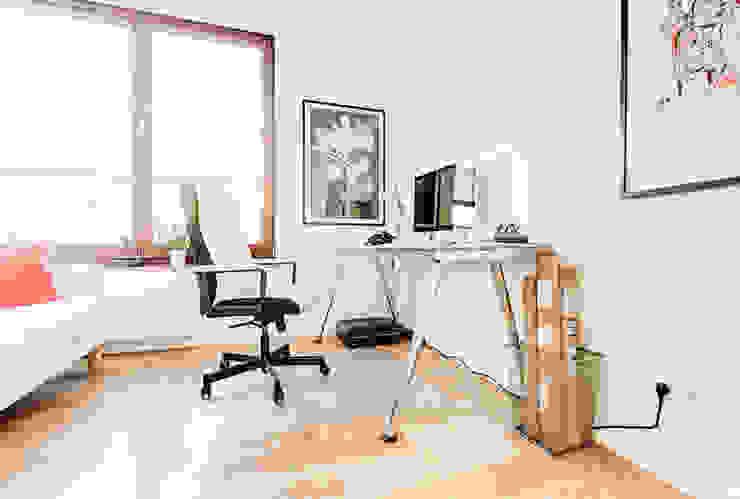 Ruang Studi/Kantor Minimalis Oleh Perfect Space Minimalis
