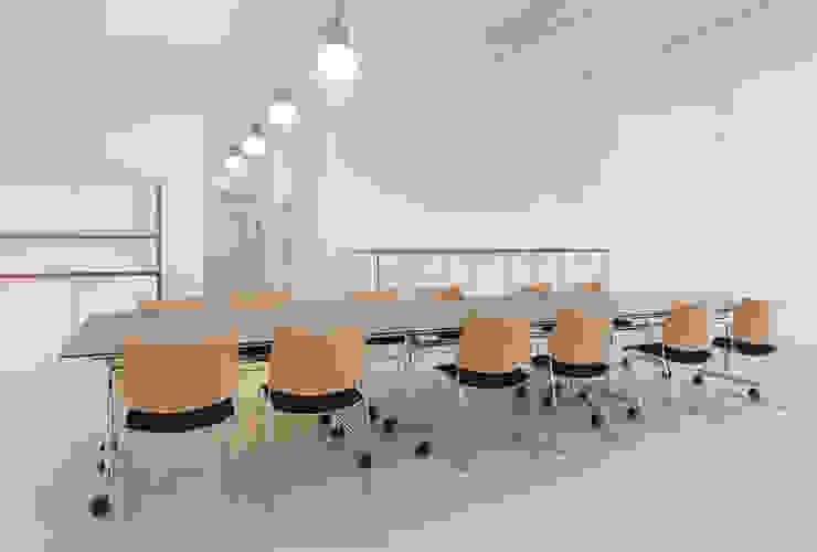 PFERSICH Büroeinrichtungen GmbH Complesso d'uffici in stile classico
