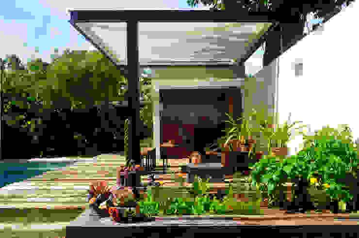 モダンな庭 の Paula Herrero | Arquitectura モダン