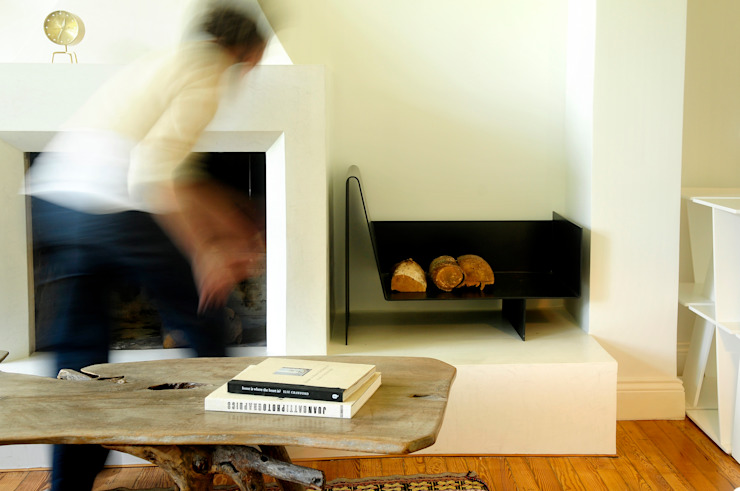 Leñero NOMADE Paula Herrero | Arquitectura Living roomFireplaces & accessories Iron/Steel