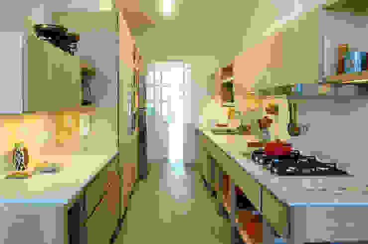 Nowoczesna kuchnia od Paula Herrero | Arquitectura Nowoczesny Sklejka