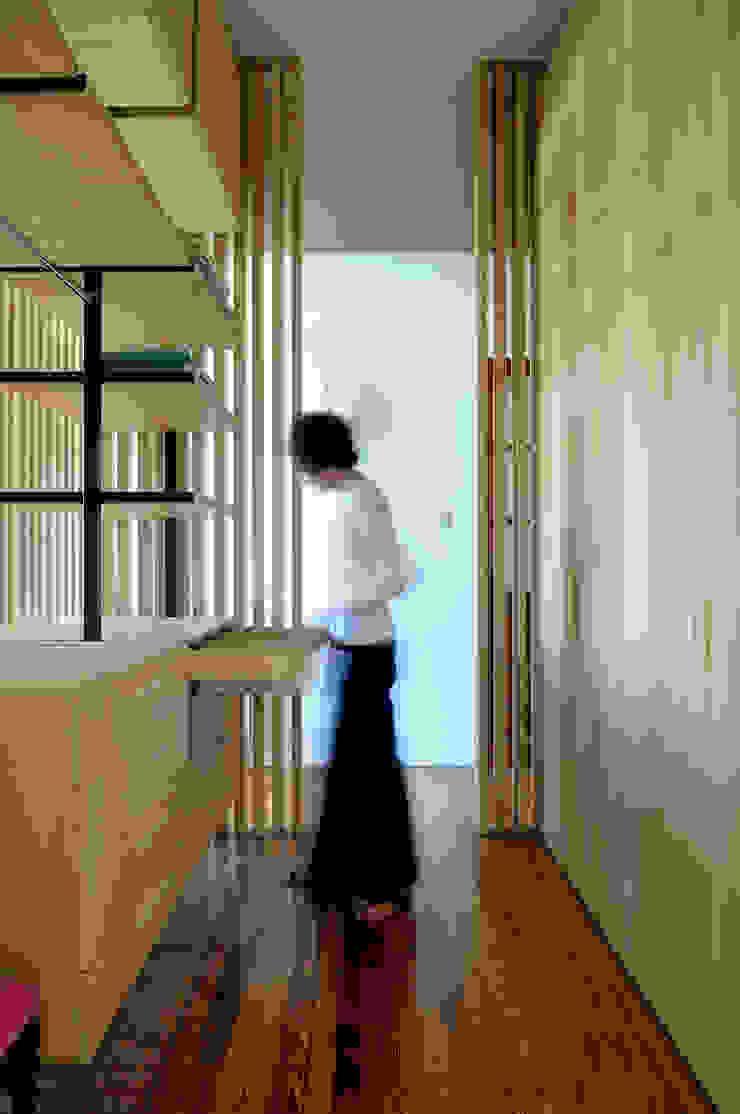 Paula Herrero | Arquitectura Ruang Ganti Modern Kayu
