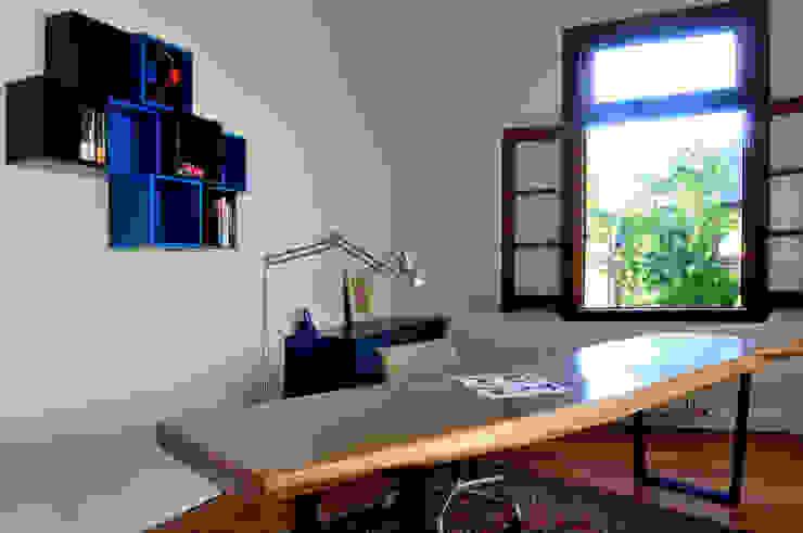 Bureau moderne par Paula Herrero | Arquitectura Moderne