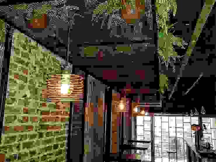 Lamparas Vintage Vieja Eddie Office spaces & stores Iron/Steel Metallic/Silver