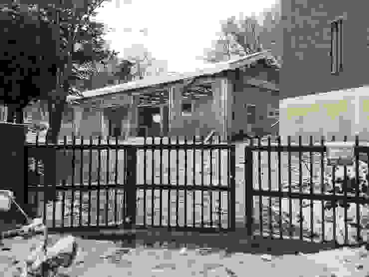 Asan studio house: small-rooms association의 현대 ,모던