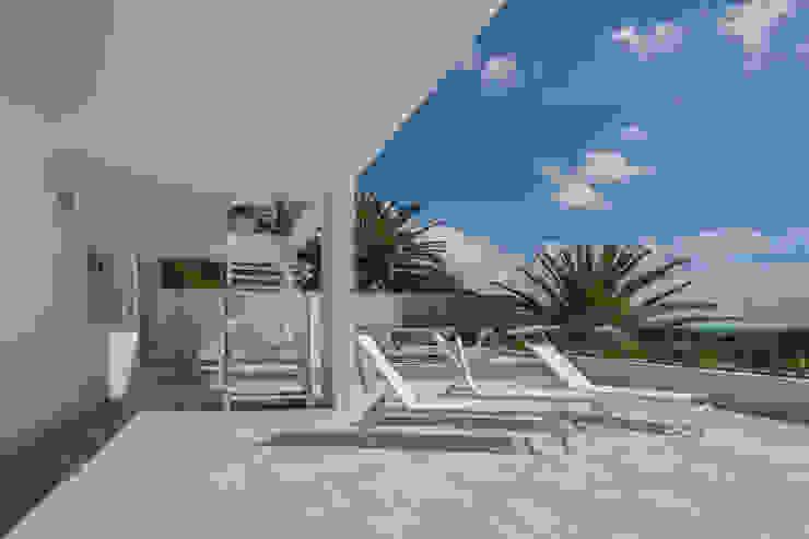 Balcones y terrazas de estilo moderno de Babett Frehrking Architect Moderno