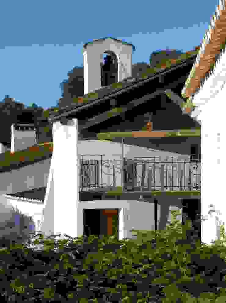 pedro quintela studio Rustic style houses