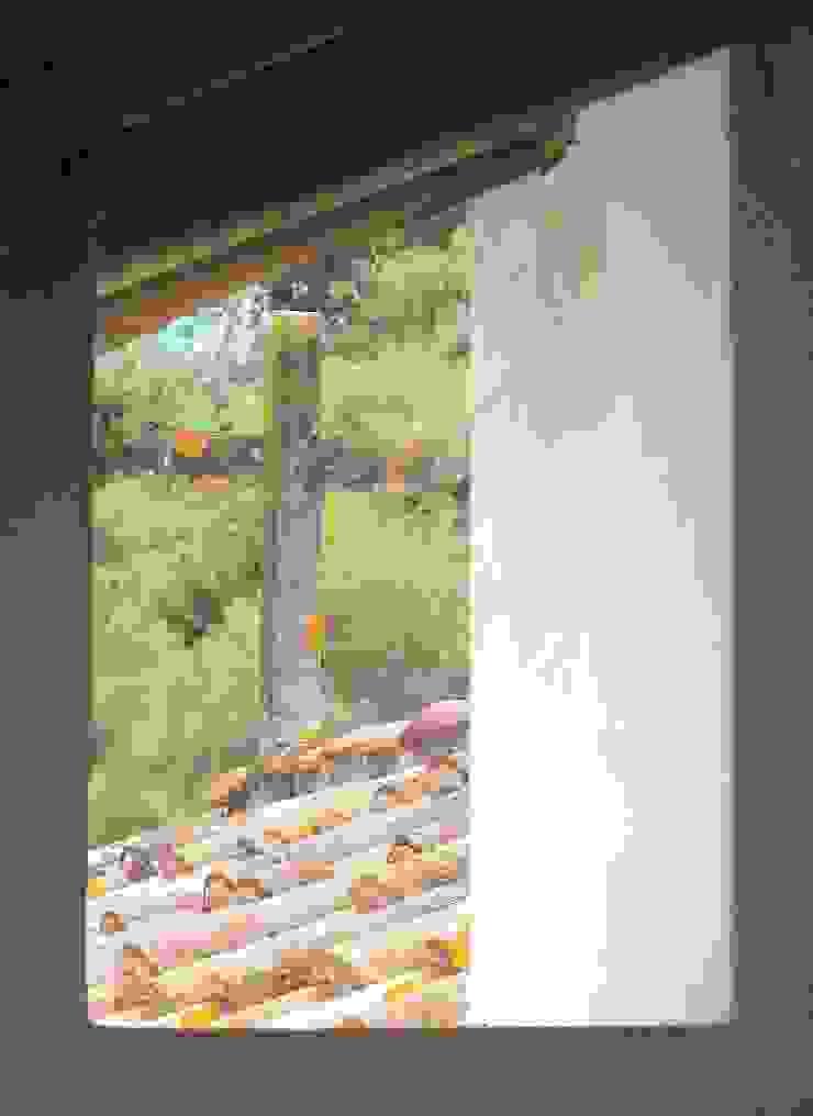 pedro quintela studio Puertas y ventanas de estilo rústico