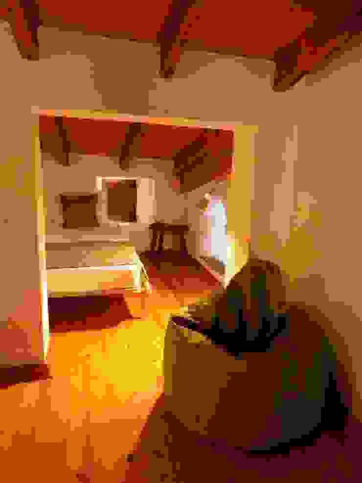 pedro quintela studio Rustic style nursery/kids room