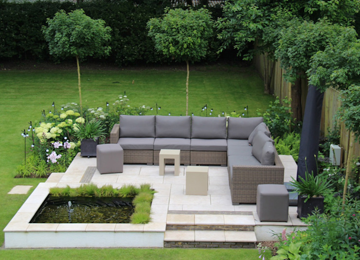 Surrey Garden Classic style garden by Elks-Smith Landscape and Garden Design Classic