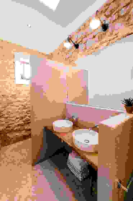Ibiza Campo—Guesthouse Mediterranean style bathrooms by Ibiza Interiors - Nederlandse Architect Ibiza Mediterranean