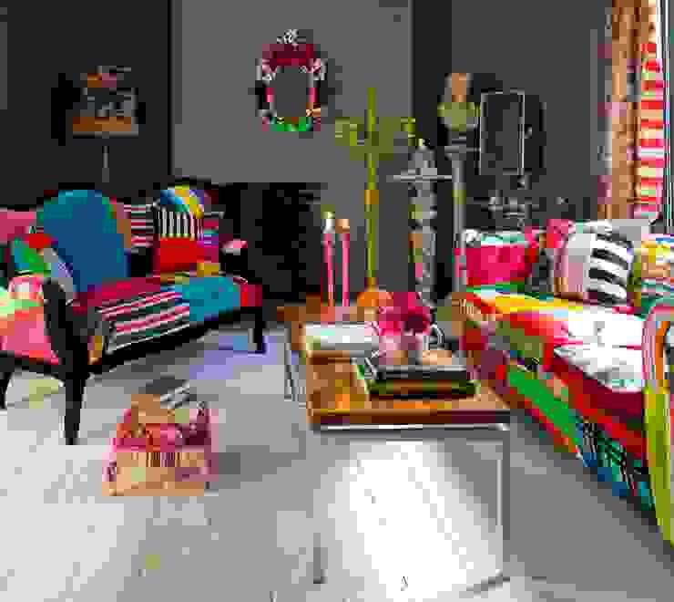 Salón con decoración kitsch de iLamparas.com Ecléctico