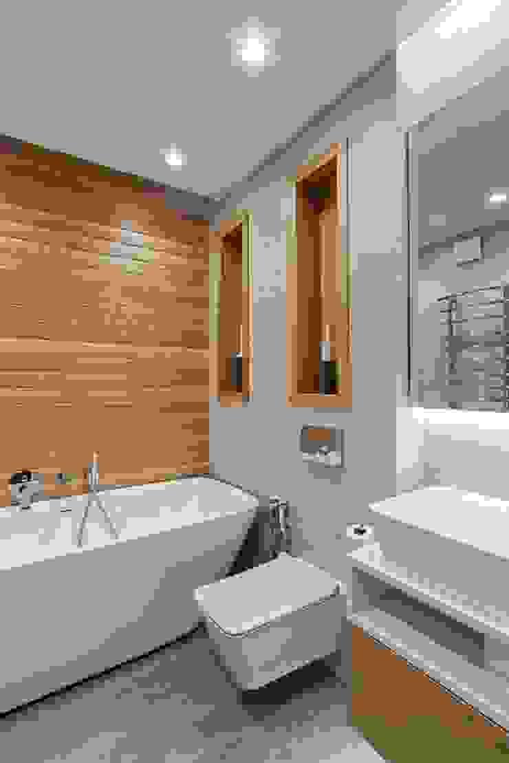 Wooden Accent Modern Bathroom by EUGENE MESHCHERUK | architecture & interiors Modern