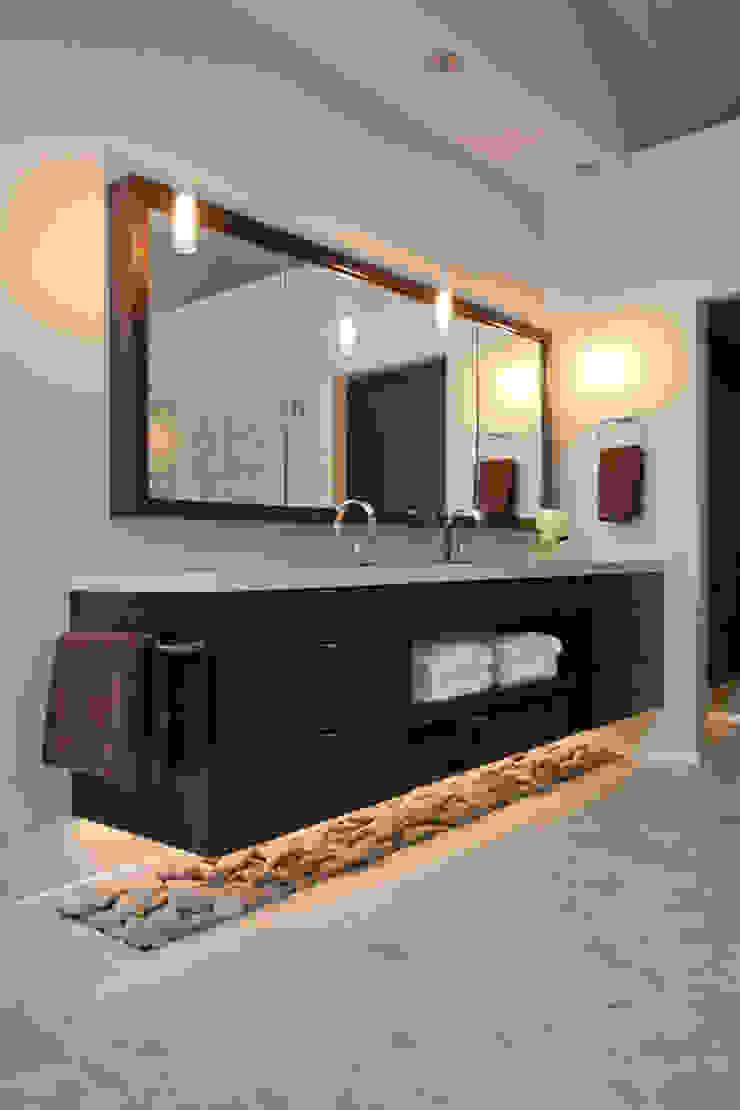 BAÑO LAS LAGUNAS - LA MOLINA Baños de estilo minimalista de 3 DECO Minimalista Cuarzo