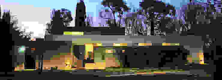 CASA RBL - Estudio FERNANDEZ+MEGO: Casas de estilo  por Estudio Fernández+Mego,Minimalista