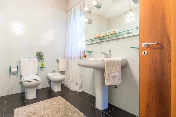 Modern Banyo Mirna Casadei Home Staging Modern