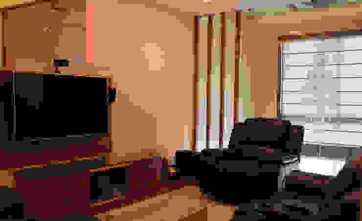 Mehra Residence: modern  by StudioEzube,Modern Wood Wood effect