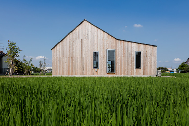 Eclectic style houses by hm+architects 一級建築士事務所 Eclectic Wood Wood effect