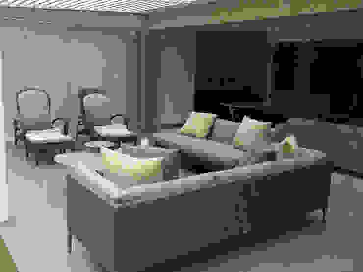 Proyecto Los Palos Grandes Balcones y terrazas de estilo moderno de THE muebles Moderno