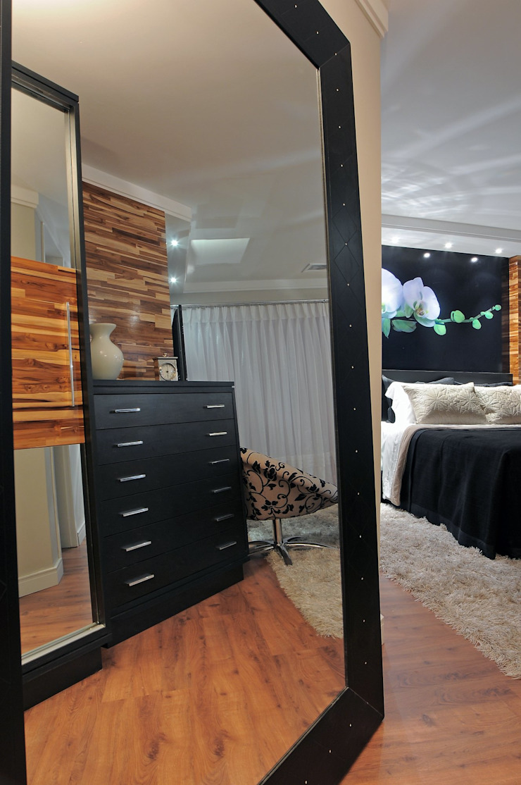 Juliana Lahóz Arquitetura Dormitorios modernos Madera Negro