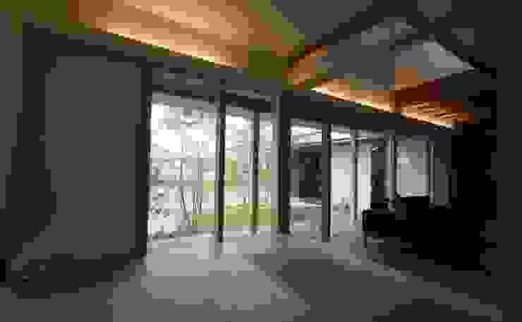 若葉いろの家 ラスティックスタイルの 寝室 の FrameWork設計事務所 ラスティック