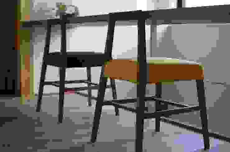 若葉いろの家 北欧デザインの 多目的室 の FrameWork設計事務所 北欧