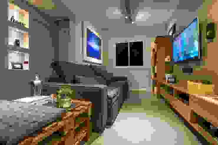 Sala de estar, tv e lareira Salas de estar modernas por C. Arquitetura Moderno