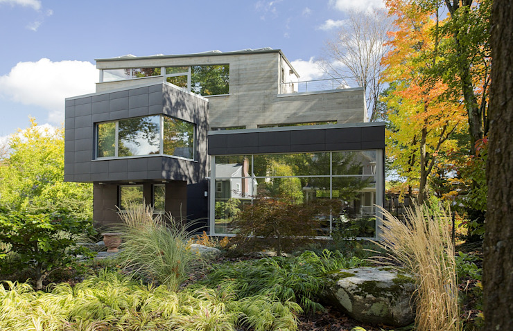 Super-insulated modern green home Modern houses by ZeroEnergy Design Modern