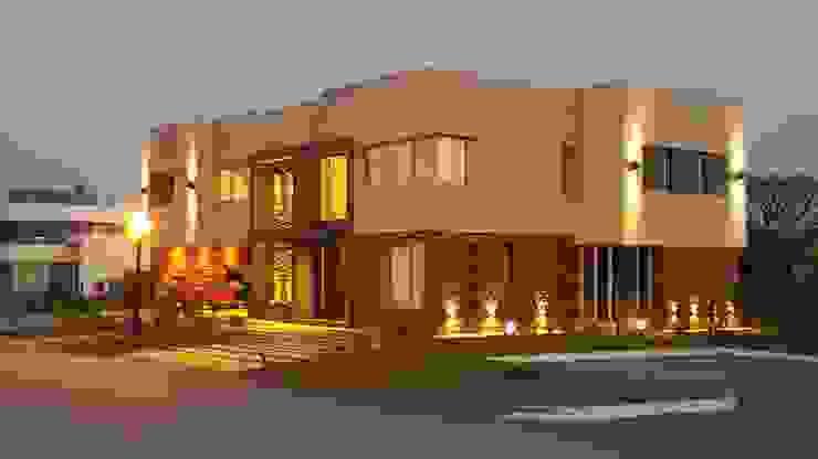 Casa Los Olivos 1 Casas modernas: Ideas, imágenes y decoración de Saleme Sanchez Arquitectos Moderno Piedra