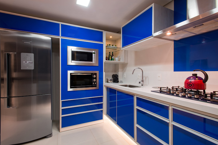 Kitchen by C. Arquitetura,