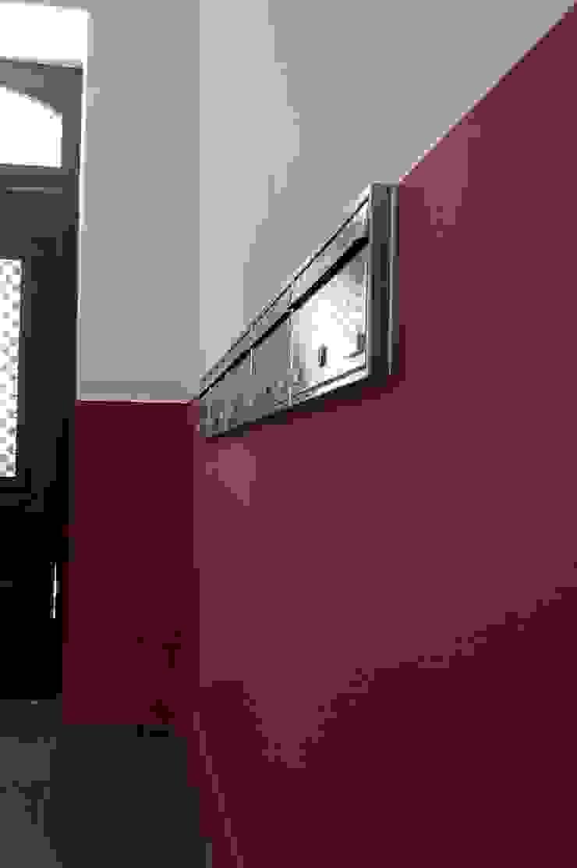 Caixas de correio ARH Corredores, halls e escadas modernos por QFProjectbuilding, Unipessoal Lda Moderno