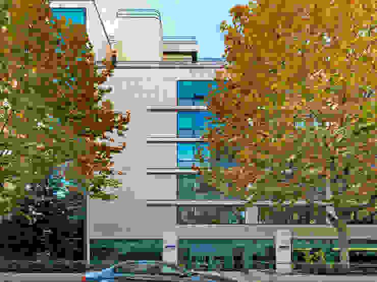 Grassi Pietre srl Modern office buildings Stone Beige