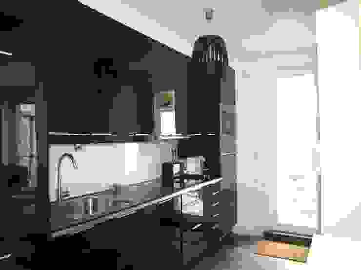 Cozinhas clássicas por QFProjectbuilding, Unipessoal Lda Clássico