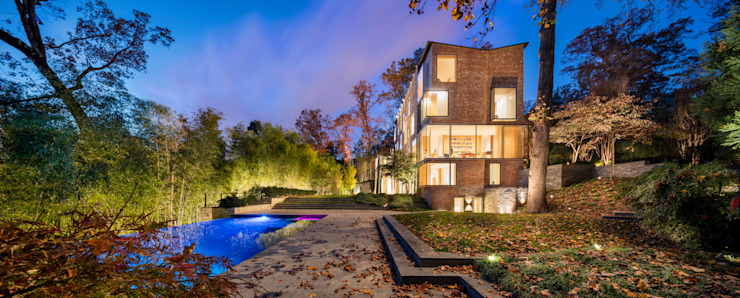 Modern DC Landscape Lighting Modern houses by Hinson Design Group Modern