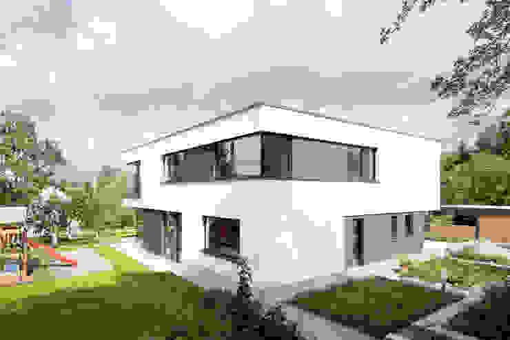 Дома в стиле модерн от sebastian kolm architekturfotografie Модерн