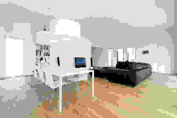 Modern living room by sebastian kolm architekturfotografie Modern