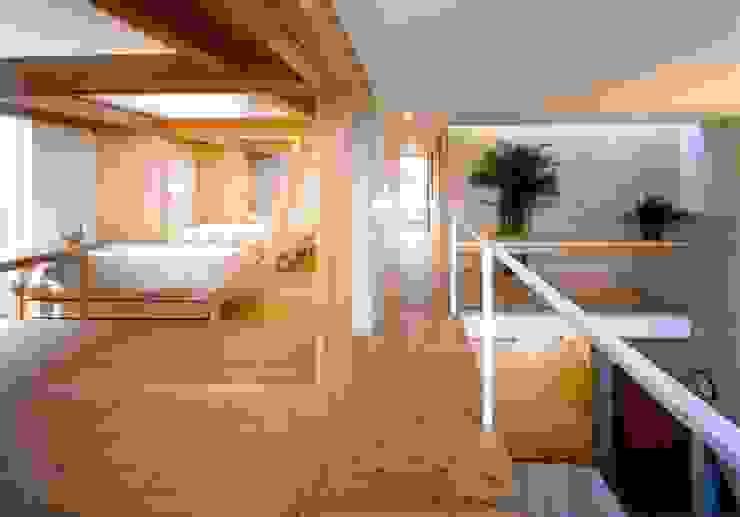 七郷の家 モダンスタイルの寝室 の FrameWork設計事務所 モダン
