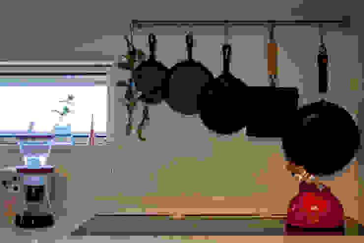 Rustic style kitchen by FrameWork設計事務所 Rustic