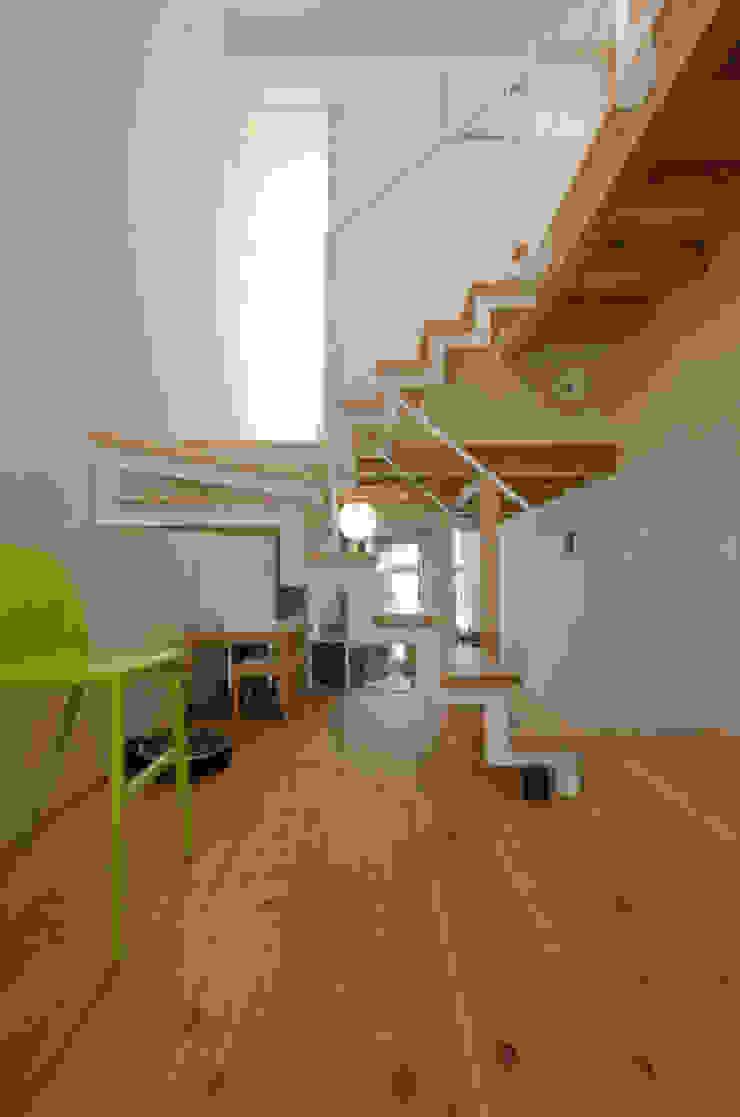 Rustic style dining room by FrameWork設計事務所 Rustic