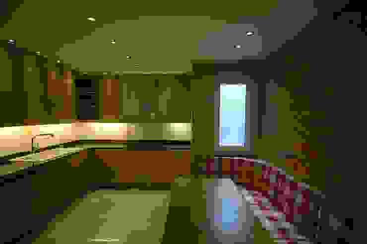 Modern kitchen by İndeko İç Mimari ve Tasarım Modern