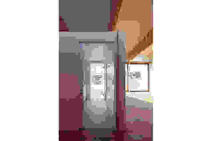 桑原茂建築設計事務所 / Shigeru Kuwahara Architects Modern Bathroom