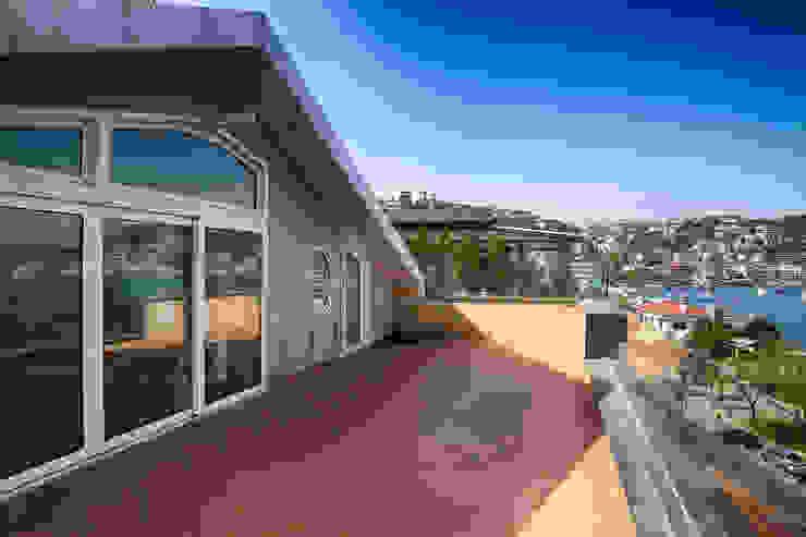 İndeko İç Mimari ve Tasarım Classic style balcony, veranda & terrace