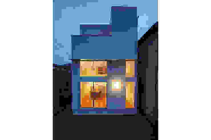 Houses by 桑原茂建築設計事務所 / Shigeru Kuwahara Architects,
