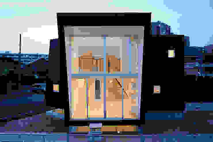 Rumah Minimalis Oleh 桑原茂建築設計事務所 / Shigeru Kuwahara Architects Minimalis