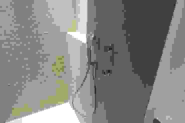 Système de douche design à corps encastré homify Salle de bain moderne