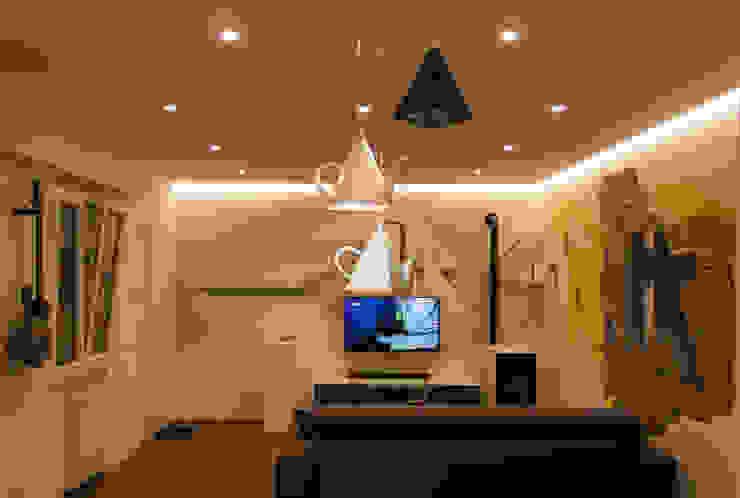 by Architettura & Interior Design 'Officina Archetipo' Eclectic