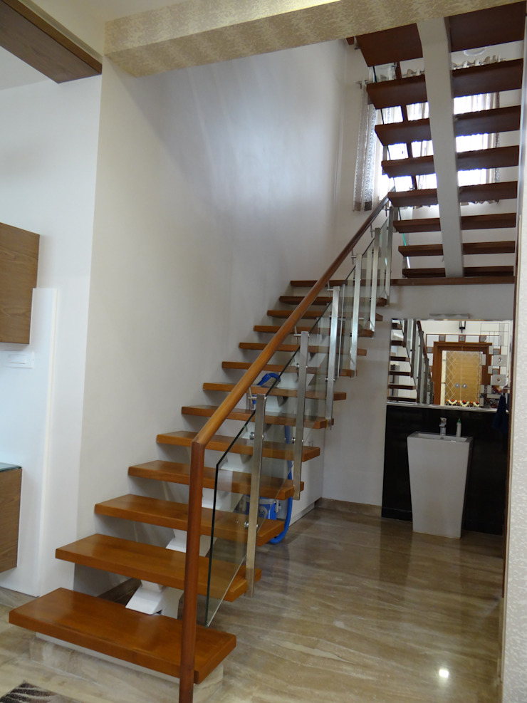 Residence of Mr.Manjunath Modern corridor, hallway & stairs by Hasta architects Modern