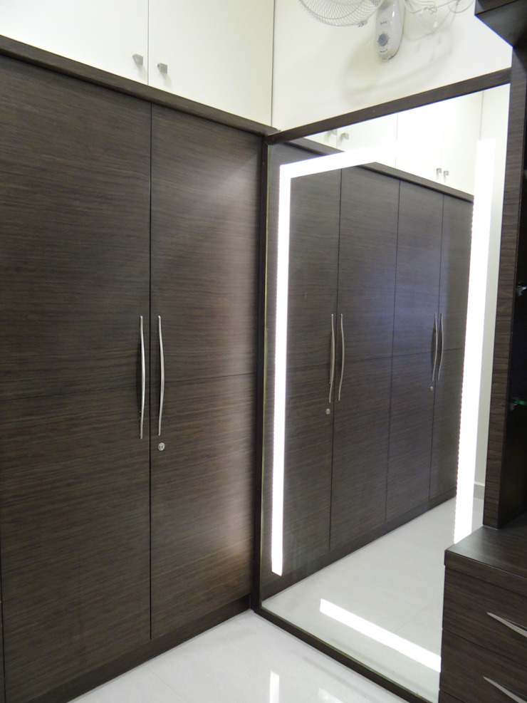 First floor master bedroom dressing Modern dressing room by Hasta architects Modern